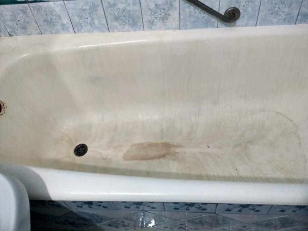 Неотреставрированая ванна До работ