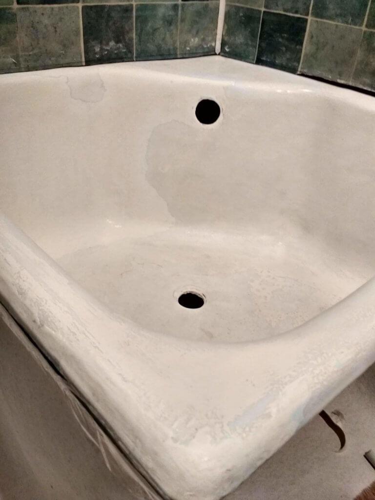 Подготовка к реставрации душевой ванны 2