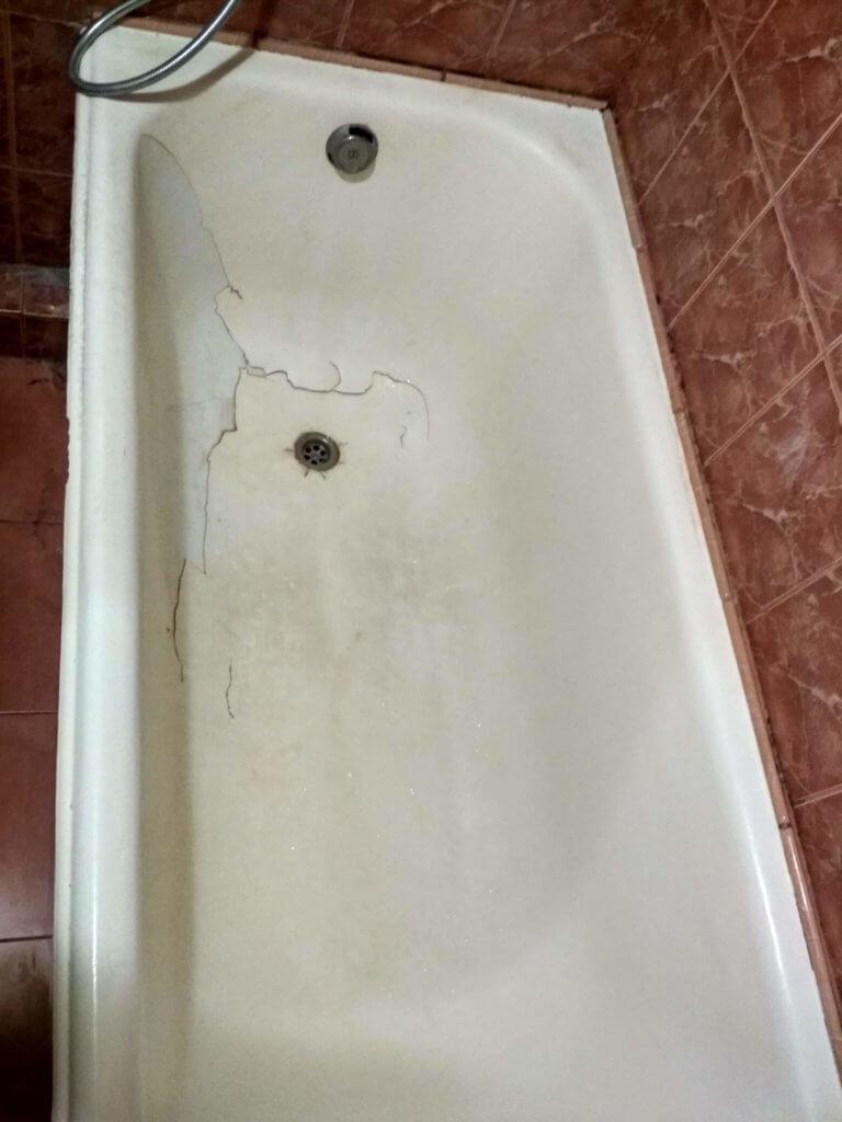 Чугуная ванна до реставрации в Киеве