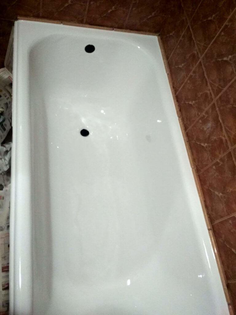 Чугуная ванна после реставрации Киев